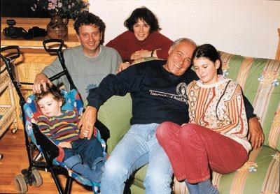 Владимир Познер с дочерью Катей, ее мужем и внуками