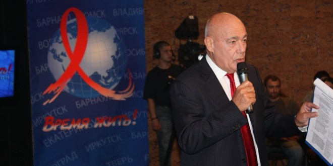 Владимир Познер об увеличении расходов на предупреждение и лечение ВИЧ и СПИДа
