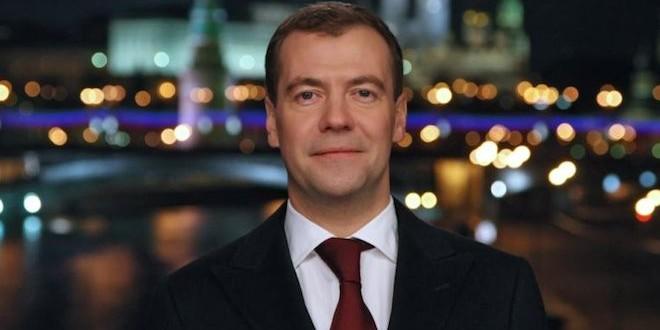 Дмитрий Медведев поздравил Владимира Познера с юбилеем