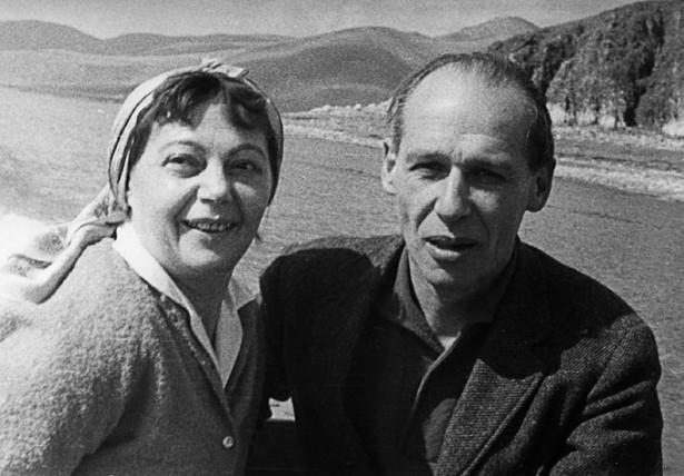 Мама и папа на отдыхе в Армении. 1969 год.
