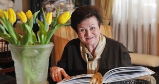 Светлой памяти Екатерины Гениевой