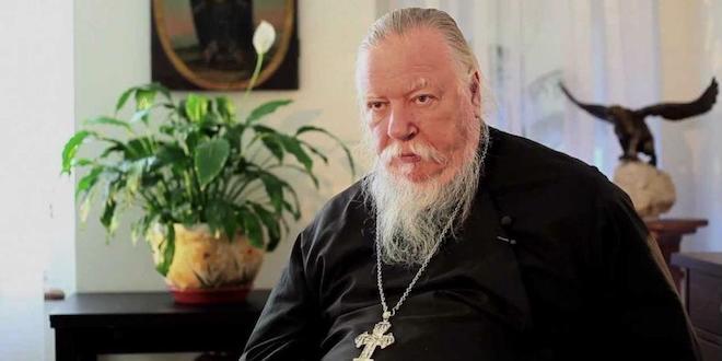 """Владимир Познер: """"Все-таки один укол от господина священнослужителя я получил, причем неотразимый"""""""