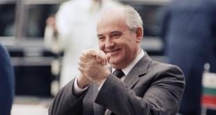 """Владимир Познер: """"Благодаря ему стало возможно свободно дышать в стране"""""""