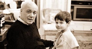 """Владимир Познер: """"Чтобы ребенок вырос успешным и хорошим человеком, надо прежде всего любить его"""""""