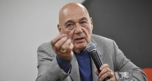 """Владимир Познер о Сергее Шнурове: """"Он уходил от вопросов все время"""""""