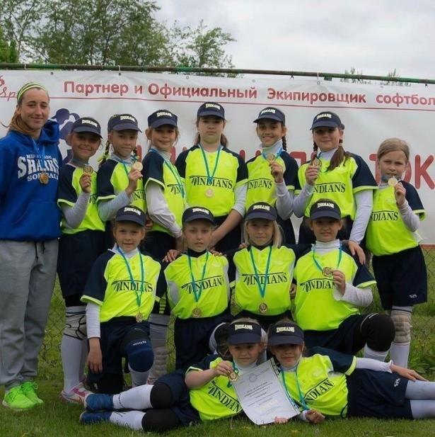 Помощь детской бейсбольной команде