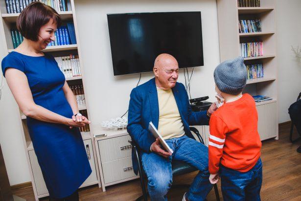 Владимир Познер посетил «Дом Роналда Макдоналда»